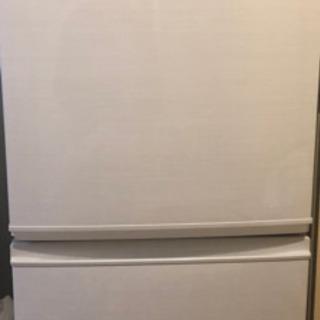 冷蔵庫 シャープ137L