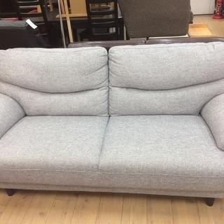 大きめサイズでゆっくりくつろげます!ニトリの3人掛けソファー