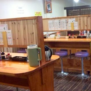 鶏ガラ醤油ラーメンの専門店です♪