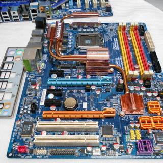 LGA775マザーボード GIGABYTE GA-P35-DS4 中古