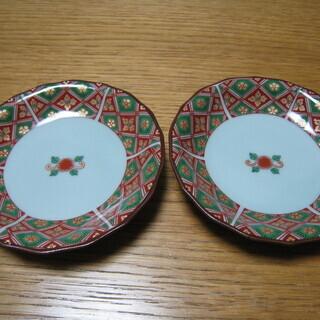 祝和柄の小皿2枚
