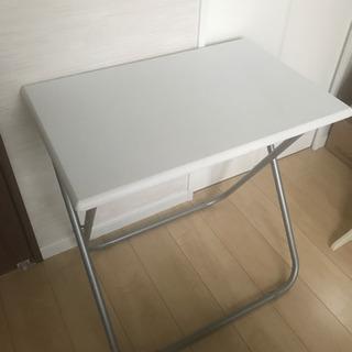 ニトリ おりたたみテーブル 折り畳みテーブル デスクの画像