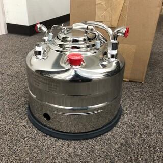 値下げします!加圧タンク耐圧貯蔵容器 1gal  の新品