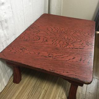 漆塗りの折りたたみ机