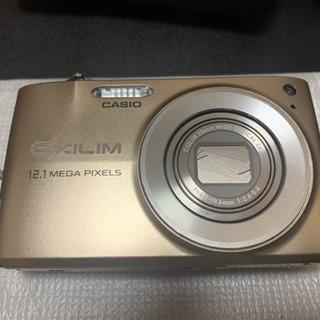 【取引中】EX-Z400 CASIO デジタルカメラ ケース付き