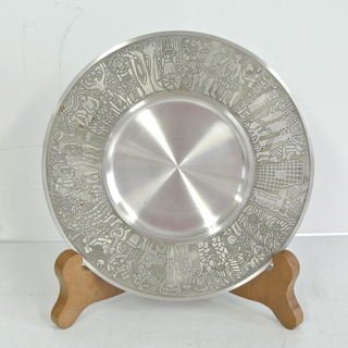 セランゴールピューター 錫製プレート 飾り皿 木製台座付き マレ...