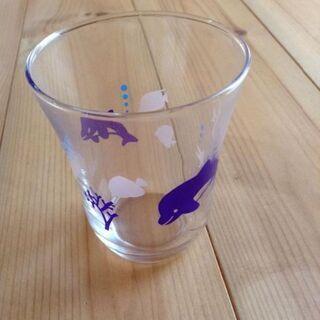 色の変わるグラス