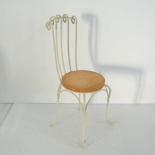 レトロかわいい! 小さな飾り椅子 大きめのミニチュア エレガント...