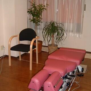 女性整体師による女性専用の整体院で、リラックスして受けられる整体と骨盤矯正なら、椿整体院へ - 市川市