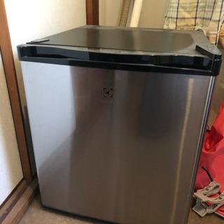 1ドア Electrolux 冷蔵庫     ERB0500SA...