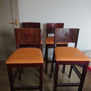 カウンター用椅子4つ1000円