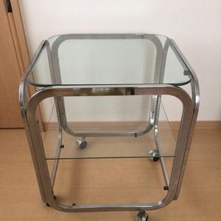 ガラス製の台