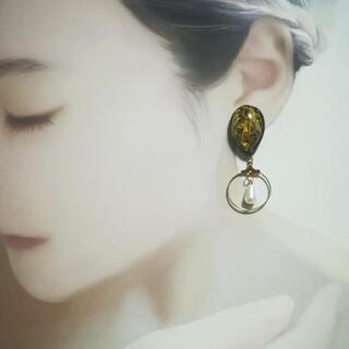 【8】ハンドメイドピアス 花びらのレジンピアス