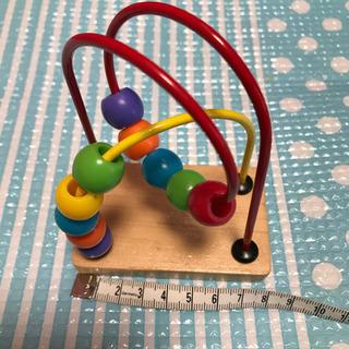 赤ちゃんの手のひらサイズのおもちゃ