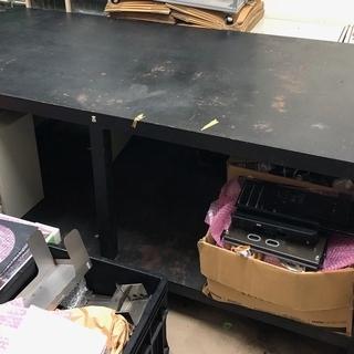 値下げします!鉄製の大きな机