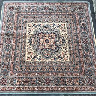 値下げしました❗️ベルギー製 ウール100%絨毯 200×200