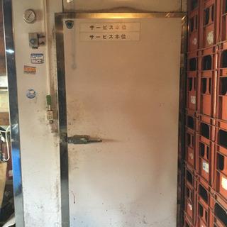 業務用冷蔵庫です