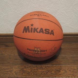 古いバスケットボール MIKASA製です