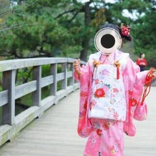 七五三ピンクの着物と白の被布 (3歳)