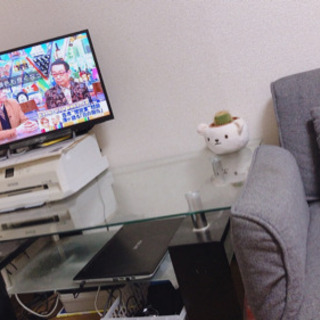 ガラステーブル、テレビ、プリンター - 家具