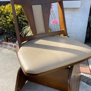座椅子部分が動く椅子 中古 - 本庄市