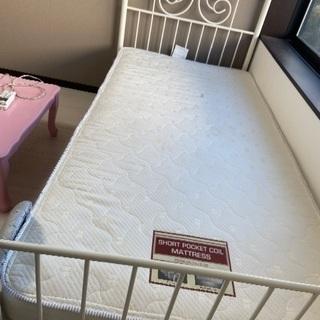 ニトリのパイプベッドとマットレス