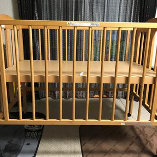 日本製折り畳みベビーベッド