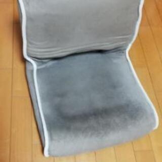 小型折り畳み座椅子