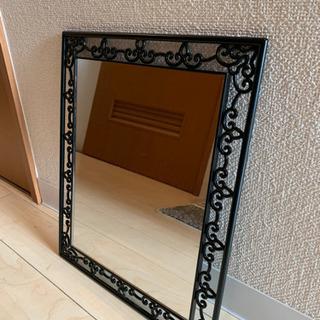 【壁掛け鏡】お部屋の雰囲気も損なわない⭐️⭐️😊