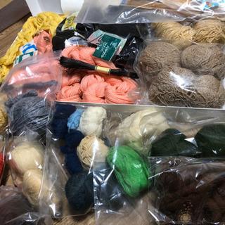 大量❗️毛糸色々、編み具色々、編み物練習にいかがですか?猫ちゃん...