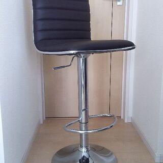 バーカウンターの椅子ブラウン(同じもの2脚セット)