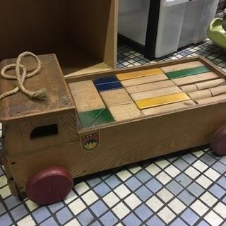 トラック収納型 積木のおもちゃ