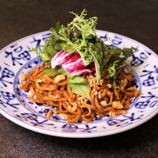 東区相生町の小さな中華料理店です。