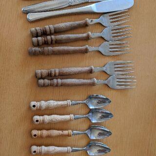 フォーク、ナイフ、グレープフルーツ用スプーン