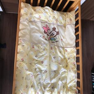カトージのベビーベッドと布団のセット