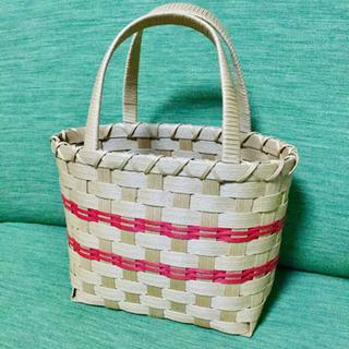 シンプルな かごバッグ 籠バッグ 手作り?