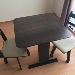 テーブル×1、イス×2の3点セット