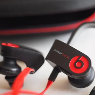 Power beats wireless Bluetoothイヤホン
