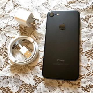 【美品】Apple iPhone 7 ブラック 32GB 残席な...
