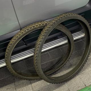自転車マウンテンバイクのタイヤ
