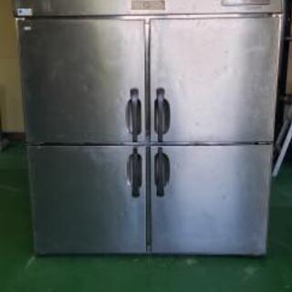 業務用冷蔵庫4枚ドア