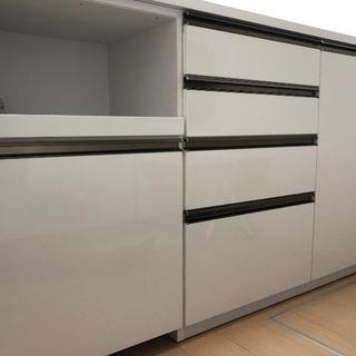 キッチンカウンター 収納
