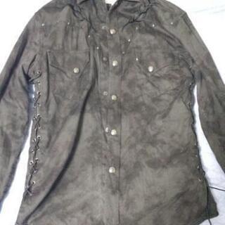 半端にヴィジュアル系っぽい長袖シャツ