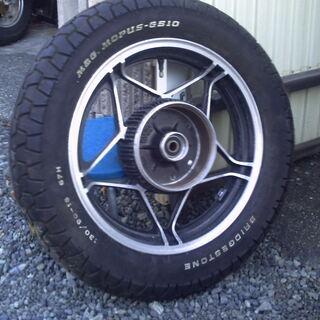 ホンダ RC09VF750マグナ リヤホイール タイヤは車検や転...