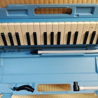 鍵盤ハーモニカとお手製リラックマケース、水彩絵の具のセット、布製...