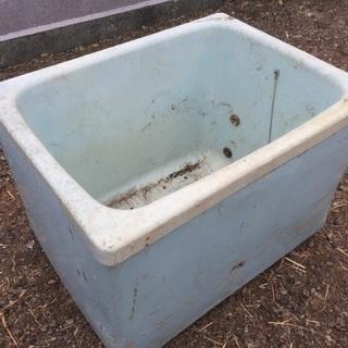 農業用 ため池 物入れ