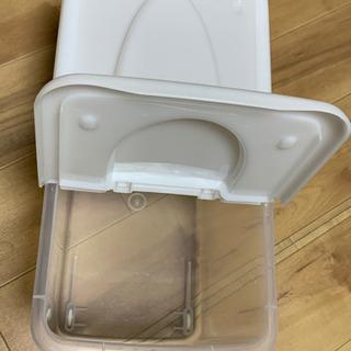 プラスチック米びつ 15kg キャスター付