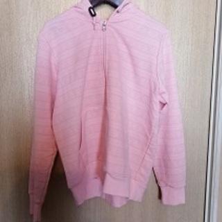 ピンクのパーカー(M)