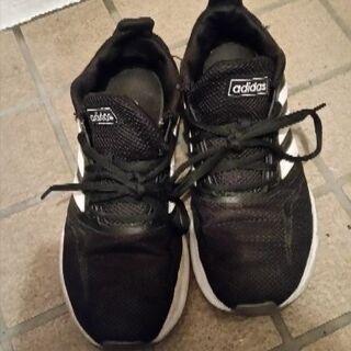 こちら取り置き中です。中古靴サイズ24になります。