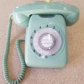 レトロ 緑色の電話機